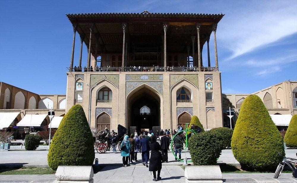 سلطان سفر به اصفهان آمد