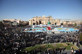 اصفهان برای برگزاری باشکوه راهپیمایی ۲۲ بهمن آماده میشود