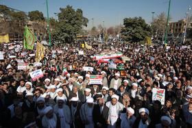 مردم با حضور در راهپیمایی ۲۲ بهمن، ابعاد مختلف نظام را تثبیت می کنند