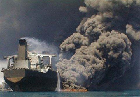 جان باختن همه سرنشینان ایرانی نفتکش حادثه دیده تایید نمیشود/ادامه جستجوها