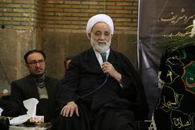 نیایش های حجت الاسلام مظاهری اصفهان را متحول کرد