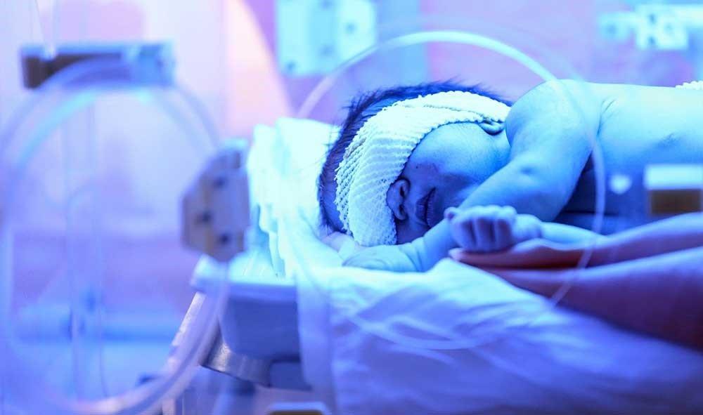 نوزاد ۶ ماهه کاشانی به کرونا مبتلا شد