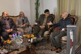 دیدار رییس سازمان فرهنگی شهرداری اصفهان باپیشکسوت بسکتبال
