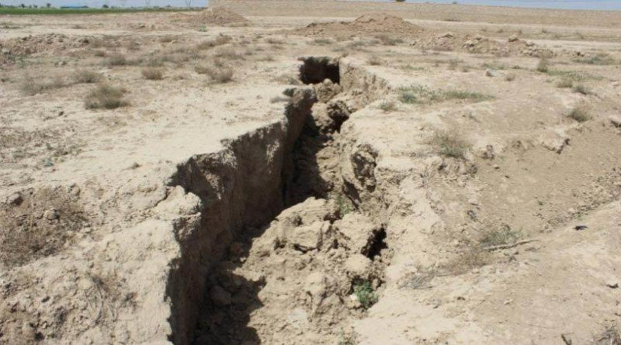 دشت های ممنوعه استان اصفهان سالانه یک متر کاهش سطح آبخوان دارد