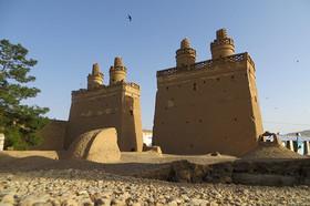 طمع گنج، آفتی به جان برجهای نجف آباد