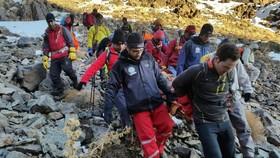 نجات سه کوهنورد در ارتفاعات کرکس