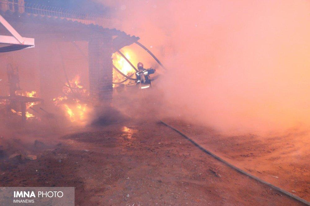 آتشسوزی ۵ واحد مسکونی در رشت سه مصدوم بر جای گذاشت