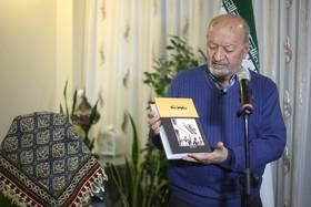 دیدار مدیرعامل سازمان فرهنگی شهرداری اصفهان با مبارز انقلابی