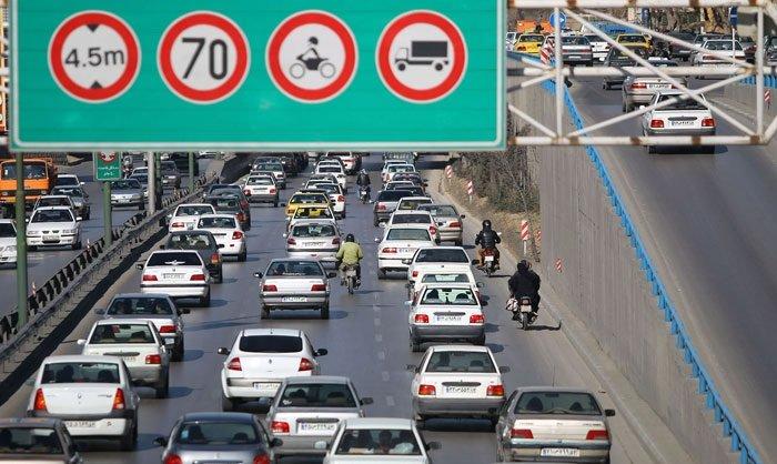 یکه تازی موتورسواران در بزرگراههای شهر