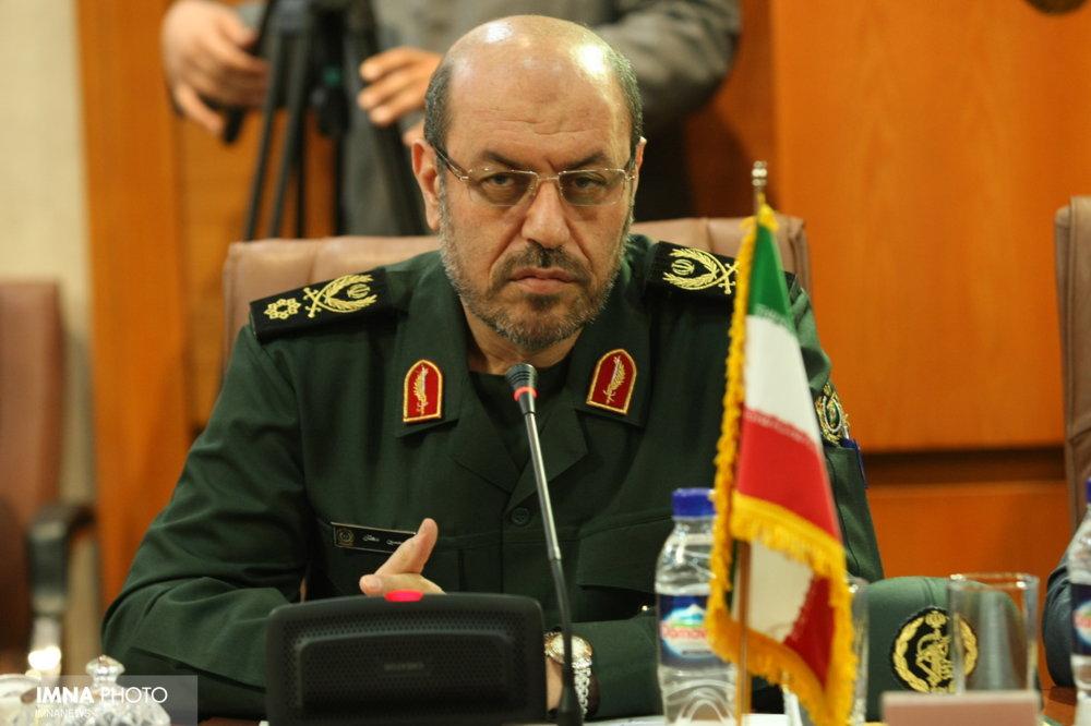 انقلاب، هویت ایرانی اسلامی را زنده کرد