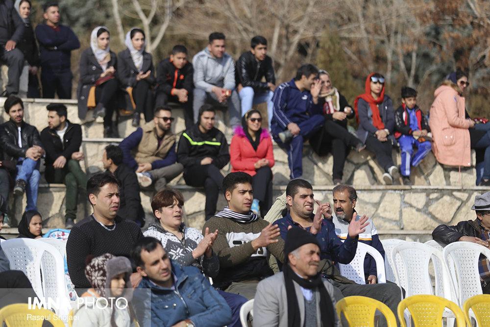 فوتبال ایران- مراکش را از پارک صفه ببینید