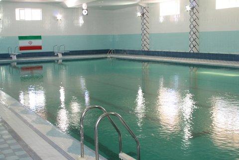 مسمومیت ۱۲ نفر در آب استخر