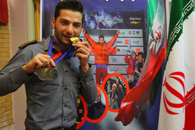 تقدیر اعضای شورای شهر از قهرمان مسابقات جهانی جام صخرهنوردی