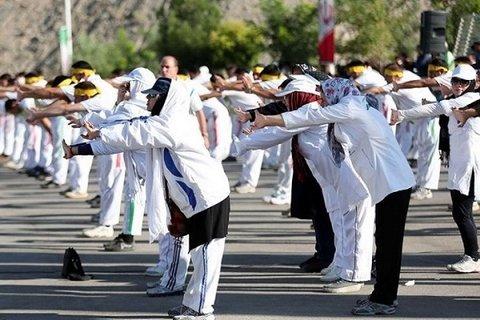 اجرای پویش همگانی «ورزشیشو» در مراکز واکسیناسیون کرونا