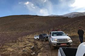 تلاش نیروهای امدادی برای رسیدن به محل سقوط هواپیمای تهران - یاسوج