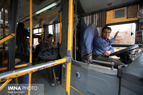 یک عالمه اتوبوس کم مسافر شهرمون