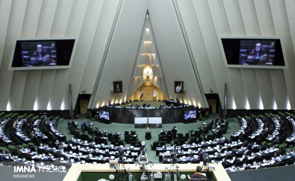 نقش مجلس در مبارزه با شیوع بیماری کرونا چیست؟