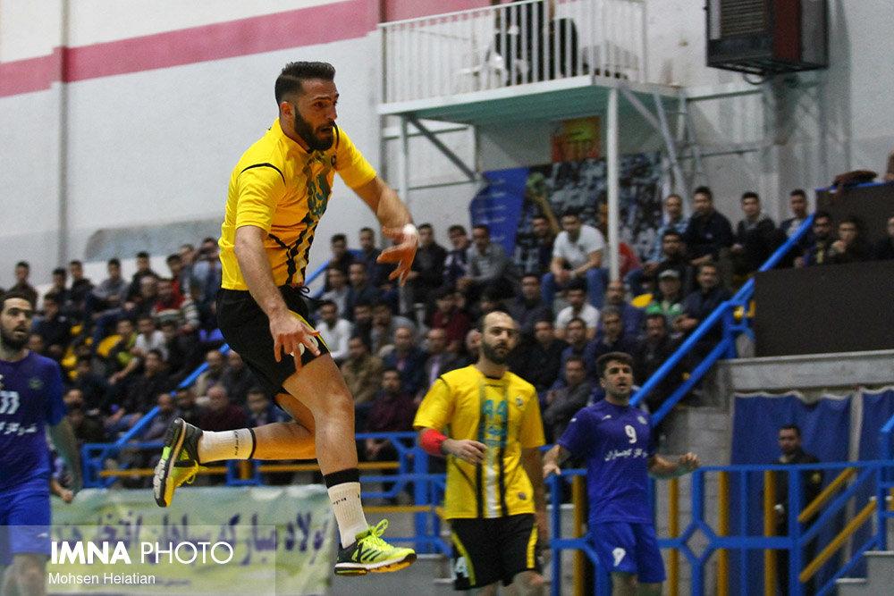 پیروزی مدعی قهرمانی/ چهار امتیازی شدن تیم هندبال سپاهان