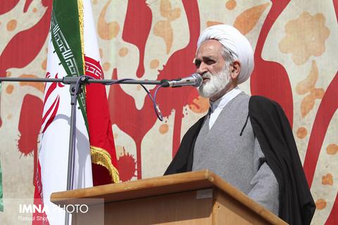 تدفین دو شهید دفاع مقدس در دانشگاه مهاجر