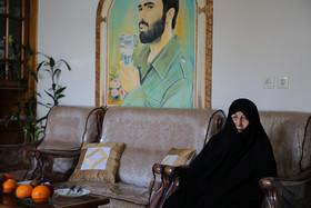 دیدار شهردار اصفهان  با مادر شهید حاج حسین خرازی