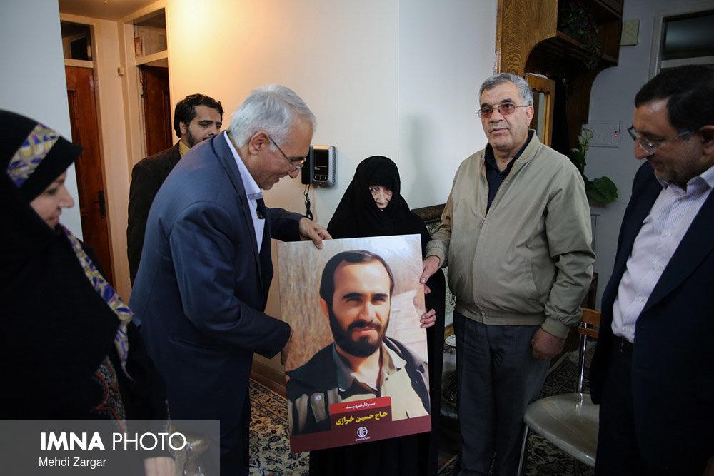 نگاهی بر ادای احترام مدیریت شهری اصفهان به مقام شامخ شهدا