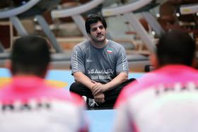 نامه جمعی از پیشکسوتان به وزیر ورزش در مورد استعفای خادم