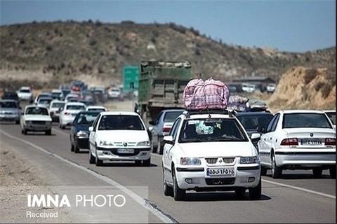 تردد روزانه ۵۰ هزار خودرو در محور اصفهان- تهران/ انسداد ۱۰۰ راه دسترسی غیرمجاز