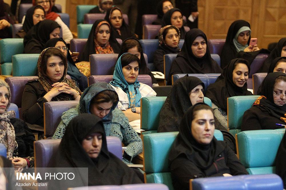 راه توسعه بدون توجه به نقش زنان پیموده نخواهد شد