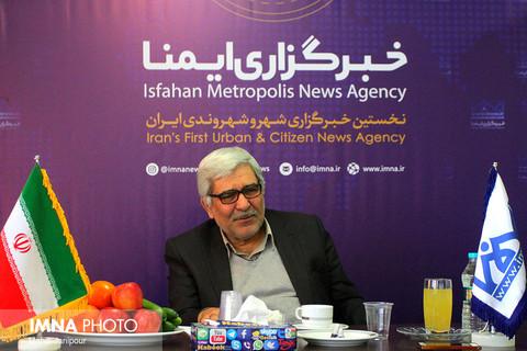حضور آقای حسینی از فعالان اصلاح طلب در خبرگزاری ایمنا