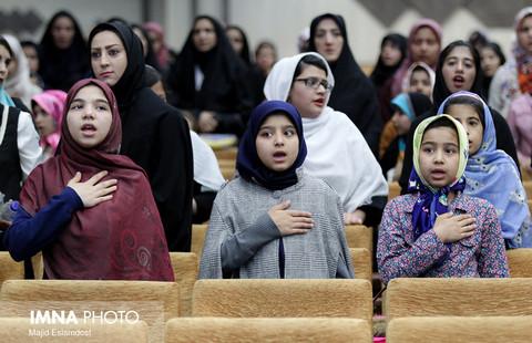 حضانت ۴۲۵ کودک و نوجوان در استان محقق نشده است