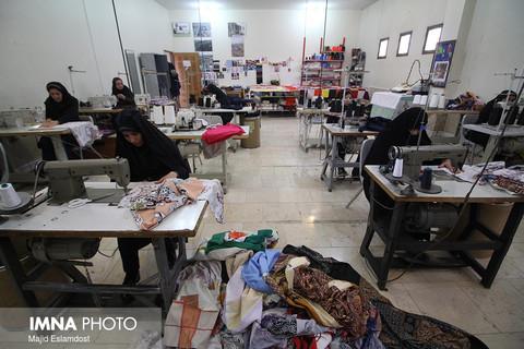 نقش انکارناپذیر زنان در رونق تولید