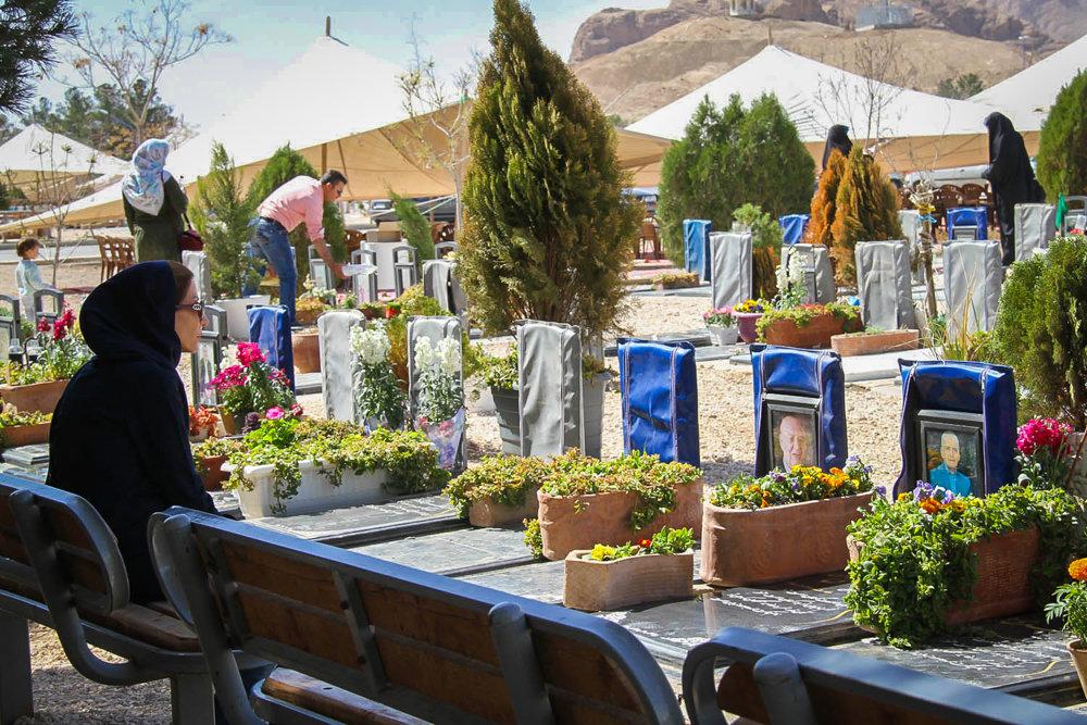 طرح مطالعاتی ساماندهی و توسعه آرامستان باغ رضوان در دستور کار