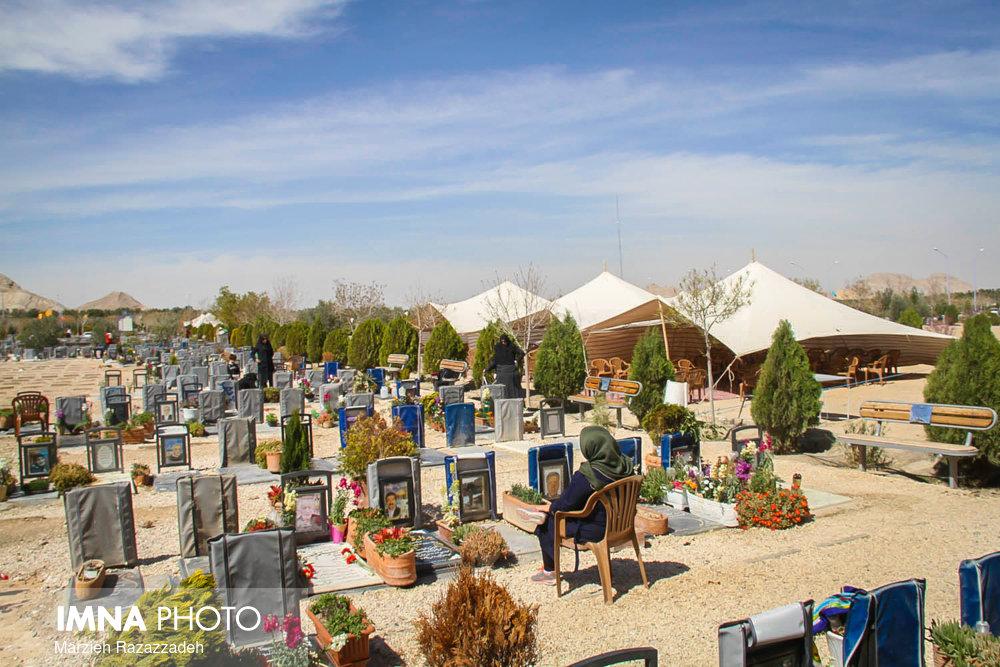تلاش جهادی در آرامستان باغ رضوان