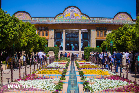 مسافران نوروزی در شیراز ، شهر شعر و ادب فارسی