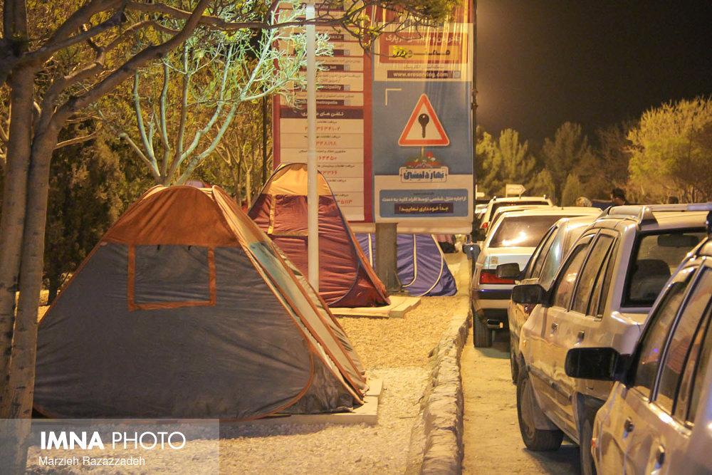 جمعآوری ۳۲۸ چادر مسافرتی از سطح شهر