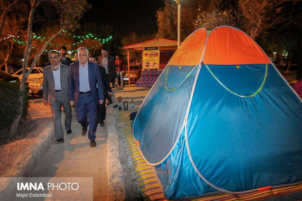بازدید سر زده شهردا اصفهان از شرایط اسکان مسافران در باغ فدک