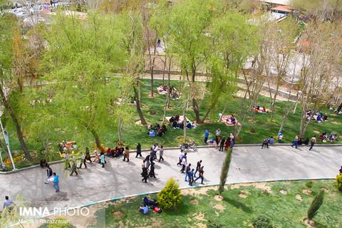 کاشت بیش از ۱۴ هزار نهال و اصله درخت در ناژوان
