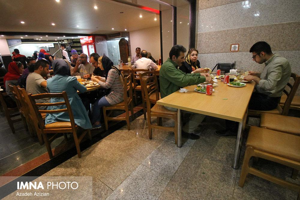 آزاد شدن فعالیت رستورانها با رعایت پروتکلهای بهداشتی / عرضه قلیان ممنوع