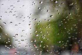 بارش باران در اصفهان همچنان ادامه دارد