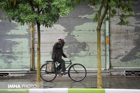 بارش باران بهاری در شهر نجف آباد