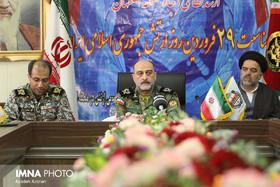 فعالیت های ارتش در راستای اقتدار وامنیت ایران است