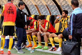 عذرخواهی بازیکنان سپاهان از هواداران + عکس