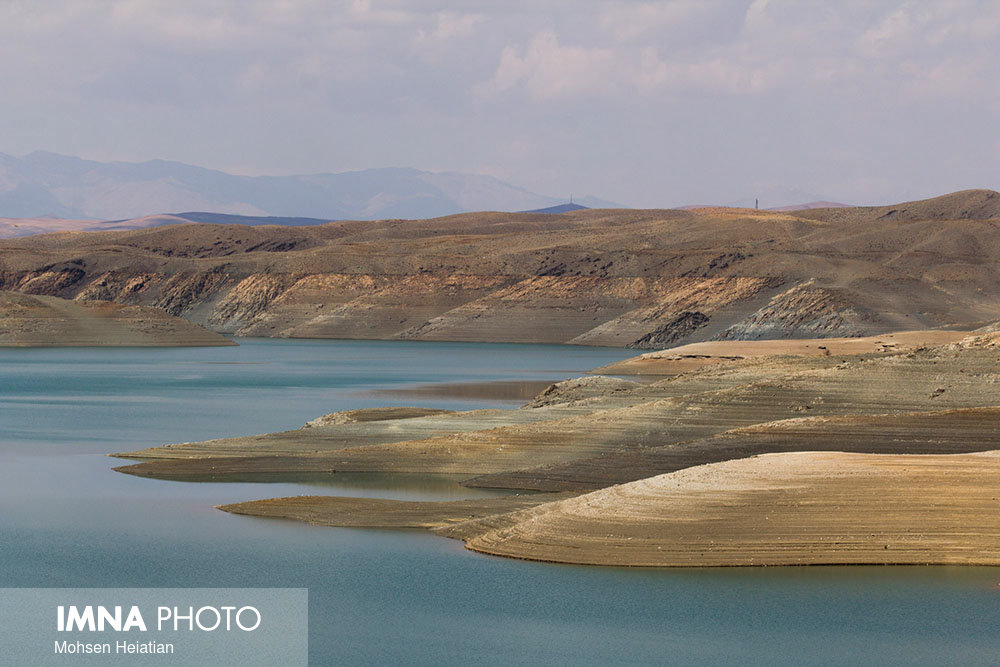 The danger of drying up the water reservoir behind the Zayanderud dam by mid-July