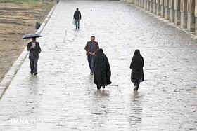 بارشهای رگباری، تگرگ و باد شدید در اصفهان ادامه دارد