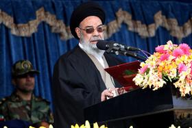 هیچ کس حق دخالت در برنامه های نظامی ایران را ندارد