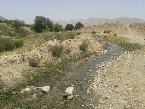 آب چشمه و قناتهای دهاقان قابل آشامیدن نیست
