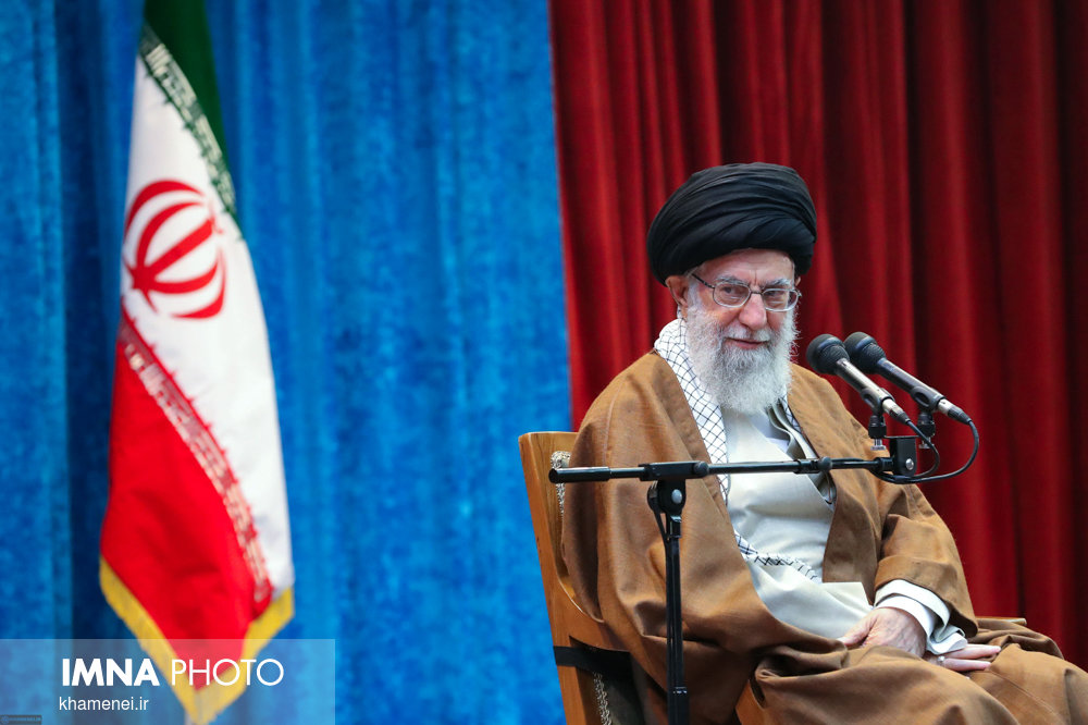 رهبر انقلاب اسلامی عید میلاد حضرت مسیح (ع) را تبریک گفتند