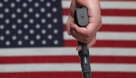 چرا آمریکائیها به حمل سلاح علاقه دارند؟