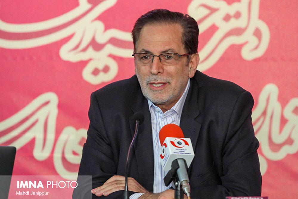 دولت از مردم اصفهان عذرخواهی کند/ نگران ذخیره آب استان هستیم