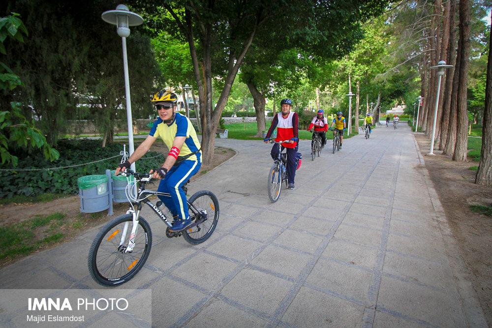 شناسایی مشکلات فرهنگسازی دوچرخهسواری در بین شهروندان اصفهانی